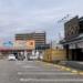 臨港線ぞい万代の前の「焼肉きんぐ」と「ウェルシア」が5月上旬で閉店